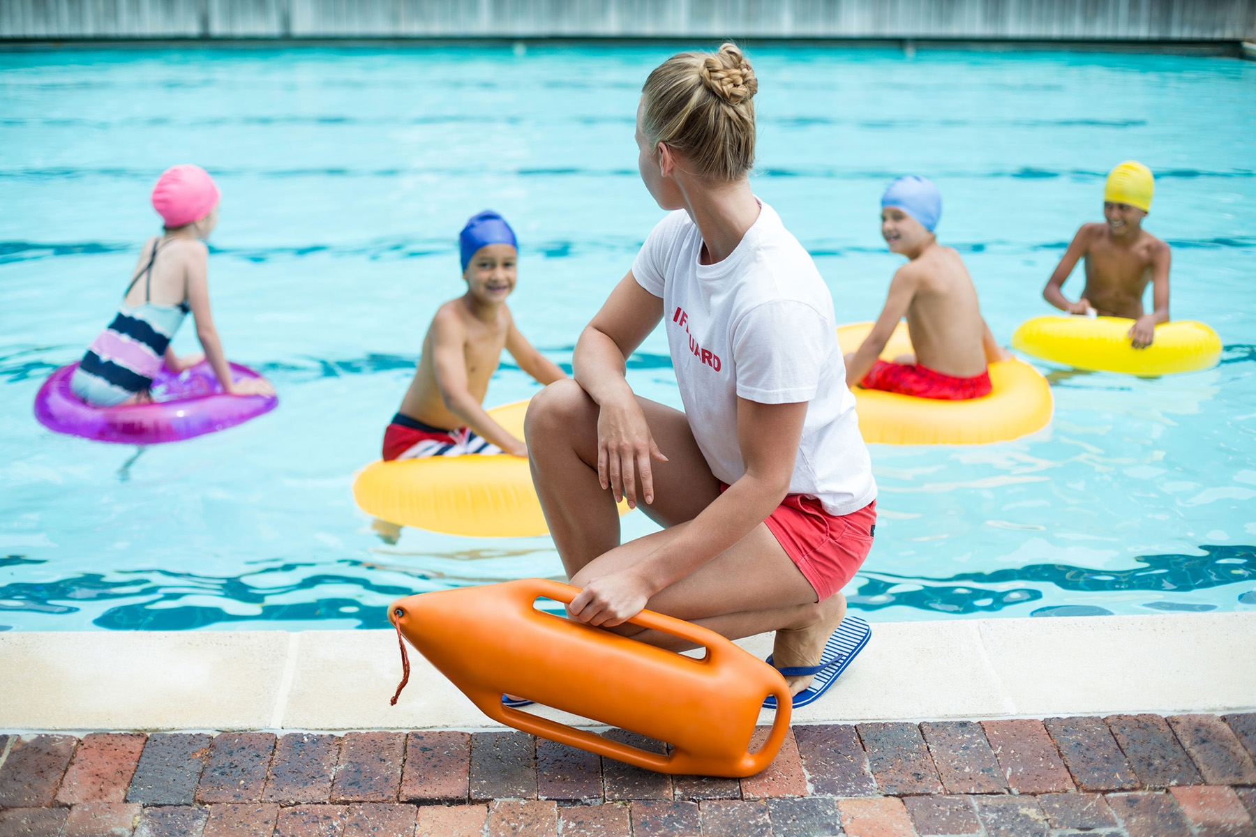 Now Hiring Day Lifeguards